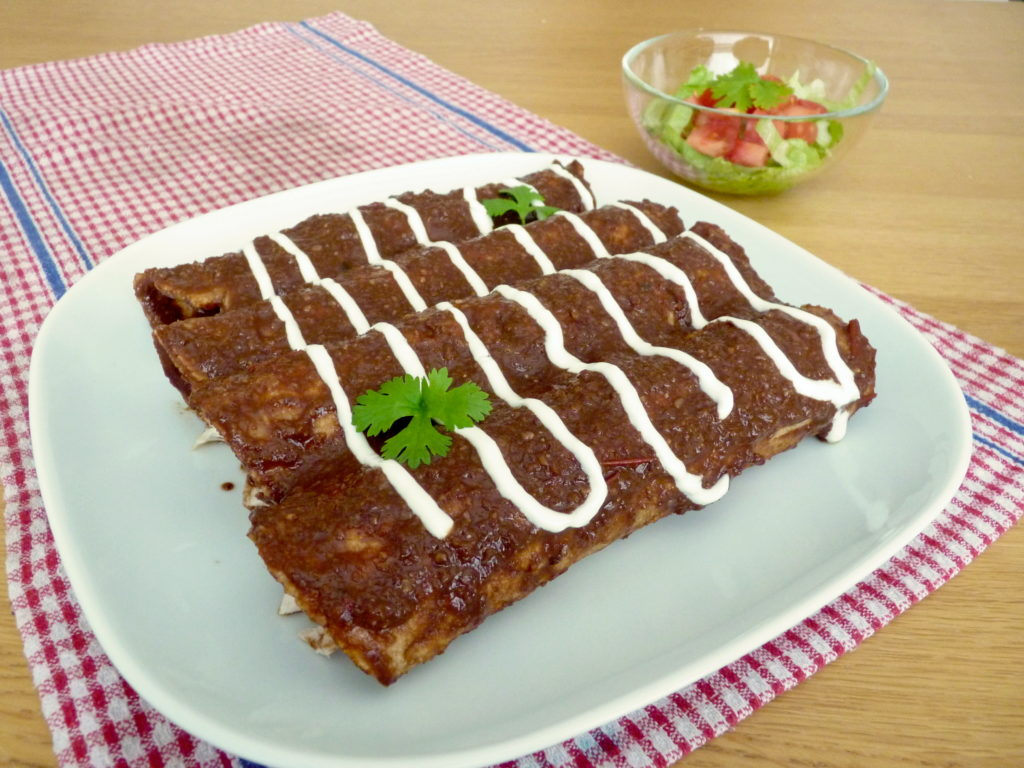 Mexické enchiladas s mole poblano - Ochutnejte svět