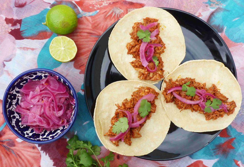 Mexické tacos s trhaným vepřovým masem puerco pibil - Ochutnejte svět