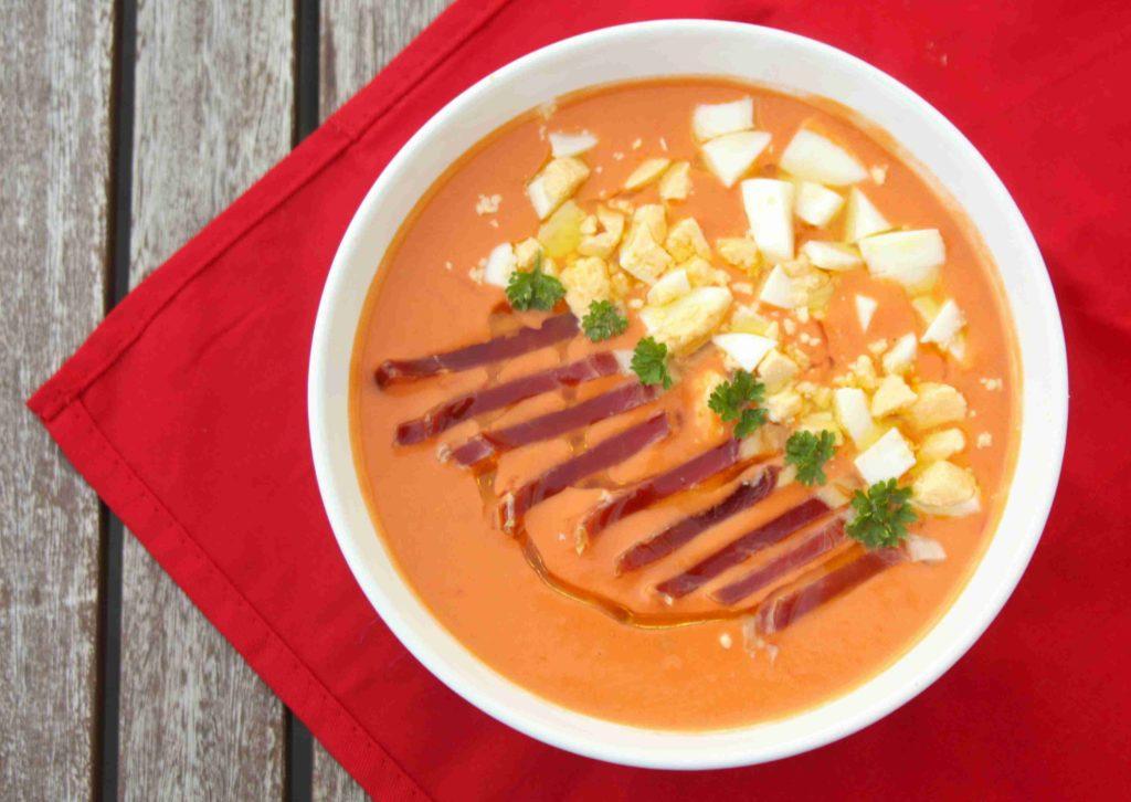 Španělská studená polévka salmorejo - Ochutnejte svět