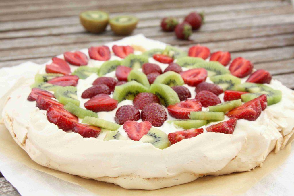 Dort Pavlova s jahodami a kiwi - Ochutnejte svět