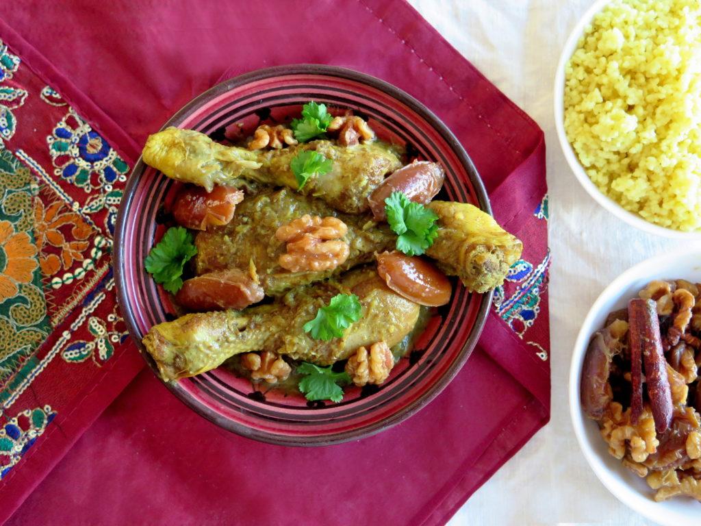 Marocký kuřecí tažín s datlemi a vlašskými ořechy - Ochutnejte svět
