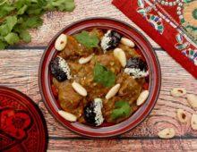Marocký hovězí tažín se sušenými švestkami a mandlemi