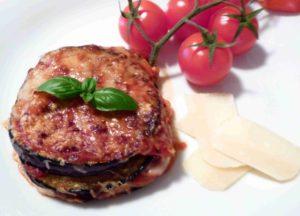 Lilek, rajčata a parmezán: sicilská PARMIGIANA DI MELANZANE