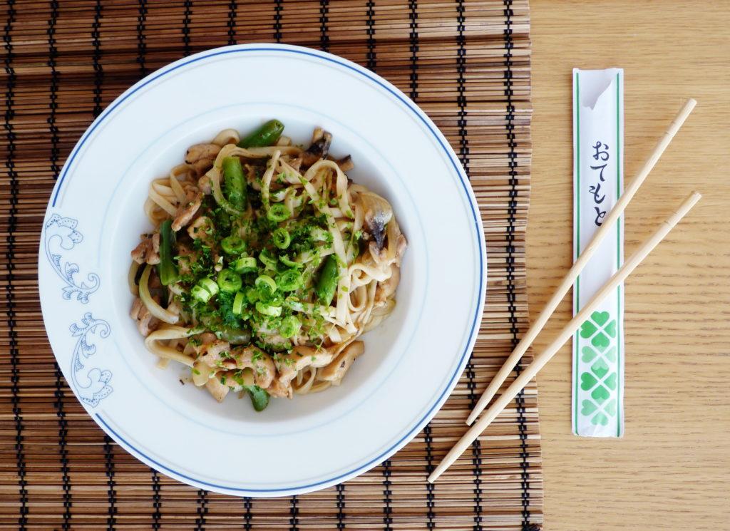 Yaki udon - japonské smažené nudle udon - Ochutnejte svět