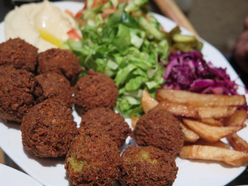 Falafel s humusem v Jeruzalémě - Ochutnejte svět