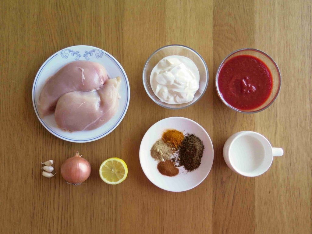 Ingredience na kuřecí tikka masala - Ochutnejte svět