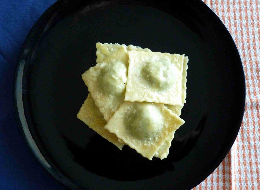 Domácí italské ravioli se špenátem a ricottou - Ochutnejte svět