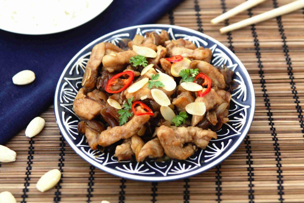 Čínské kuře s mandlemi - Ochutnejte svět - blog mezinárodní kuchyně