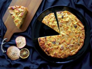Sanmarinské BUSTRENGO: vánoční koláč s jablky, fíky a rozinkami