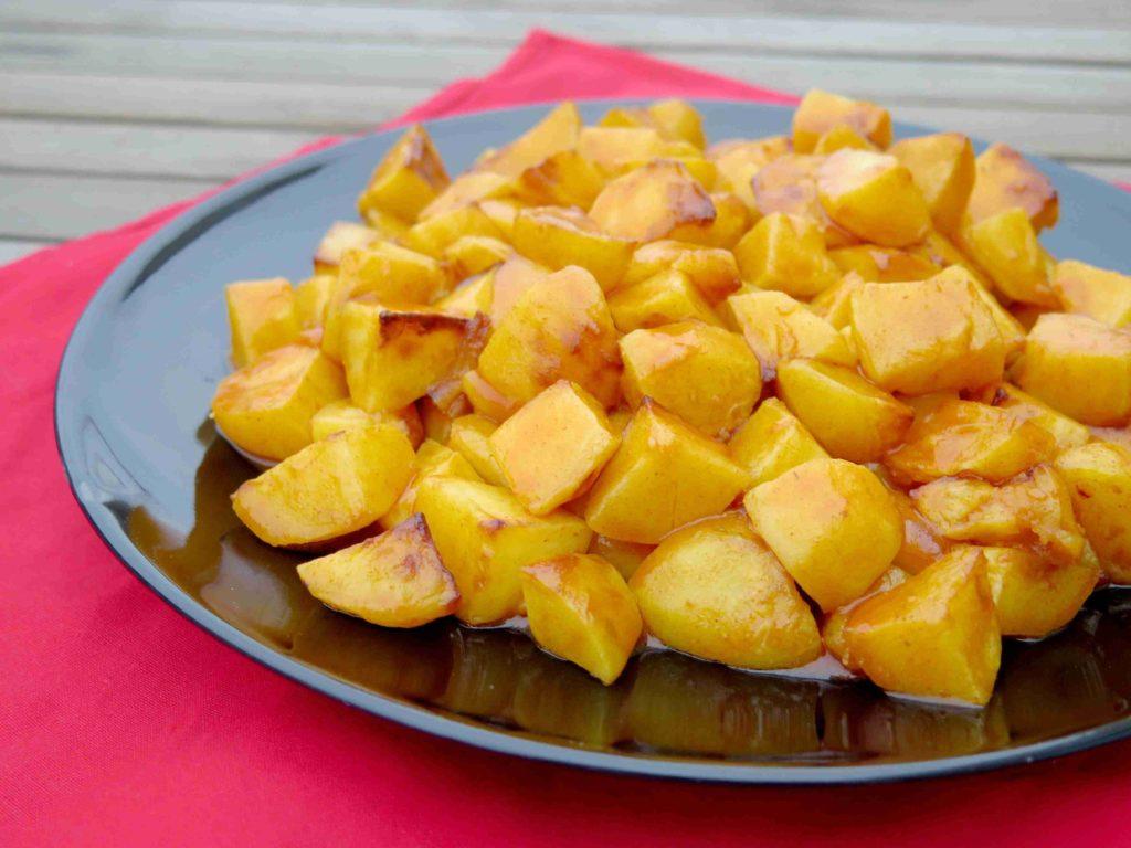 Patatas bravas - španělské brambory s pikantní omáčkou - Ochutnejte svět