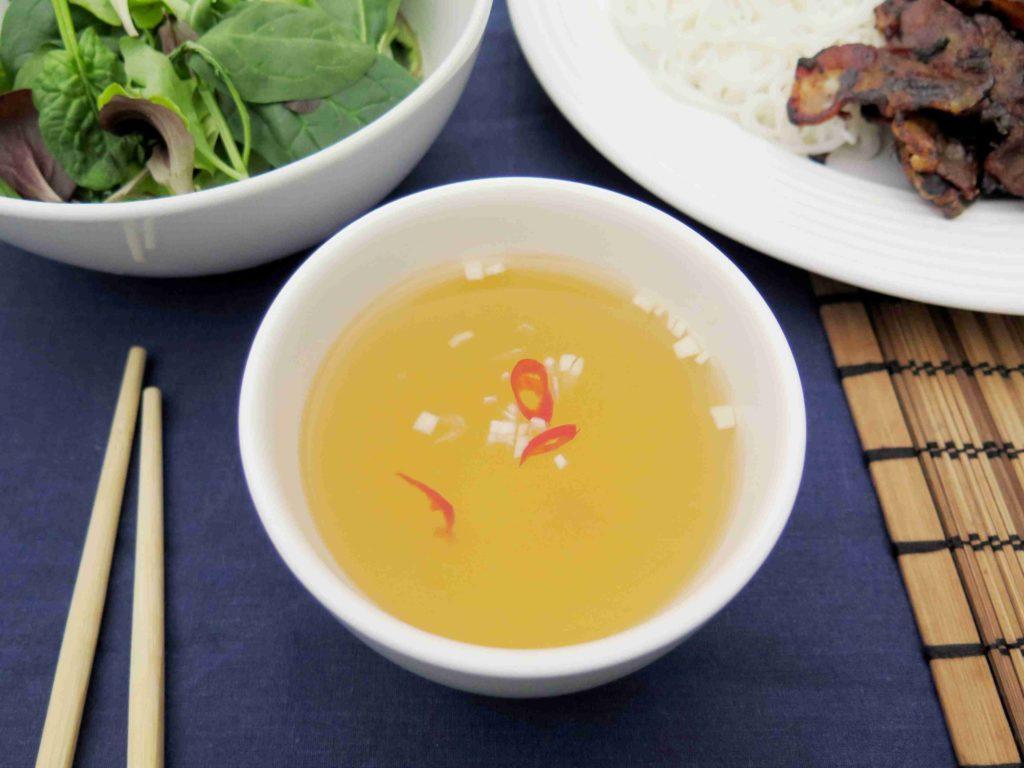 Nuoc cham - vietnamská omáčka s chilli a česnekem - Ochutnejte svět