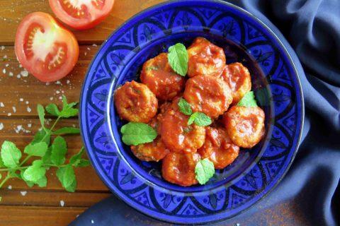 Turecké bulgurové gnocchi s rajčaty FELLAH KOFTESI