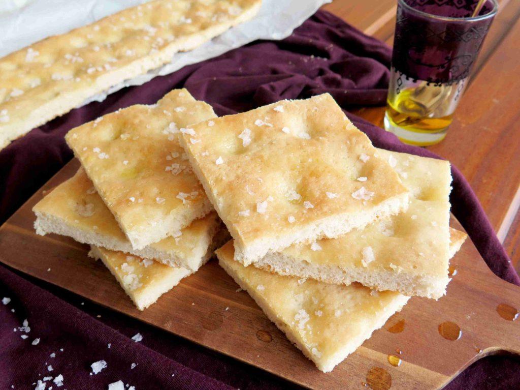 Domácí focaccia - voňavé italské pečivo - Ochutnejte svět