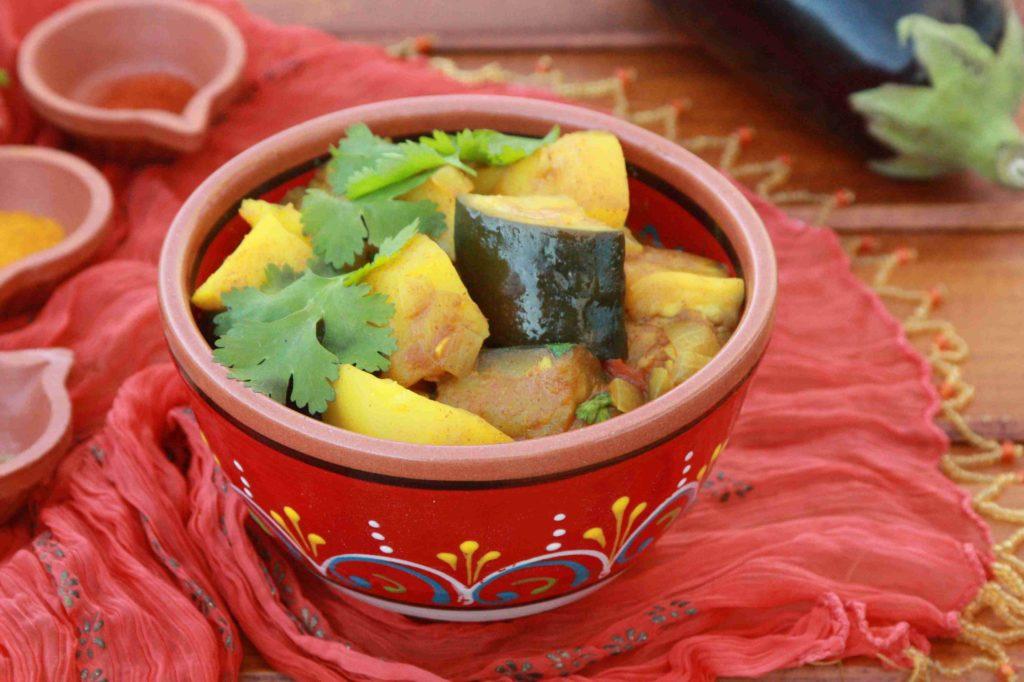 Indické brambory s lilkem - Ochutnejte svět