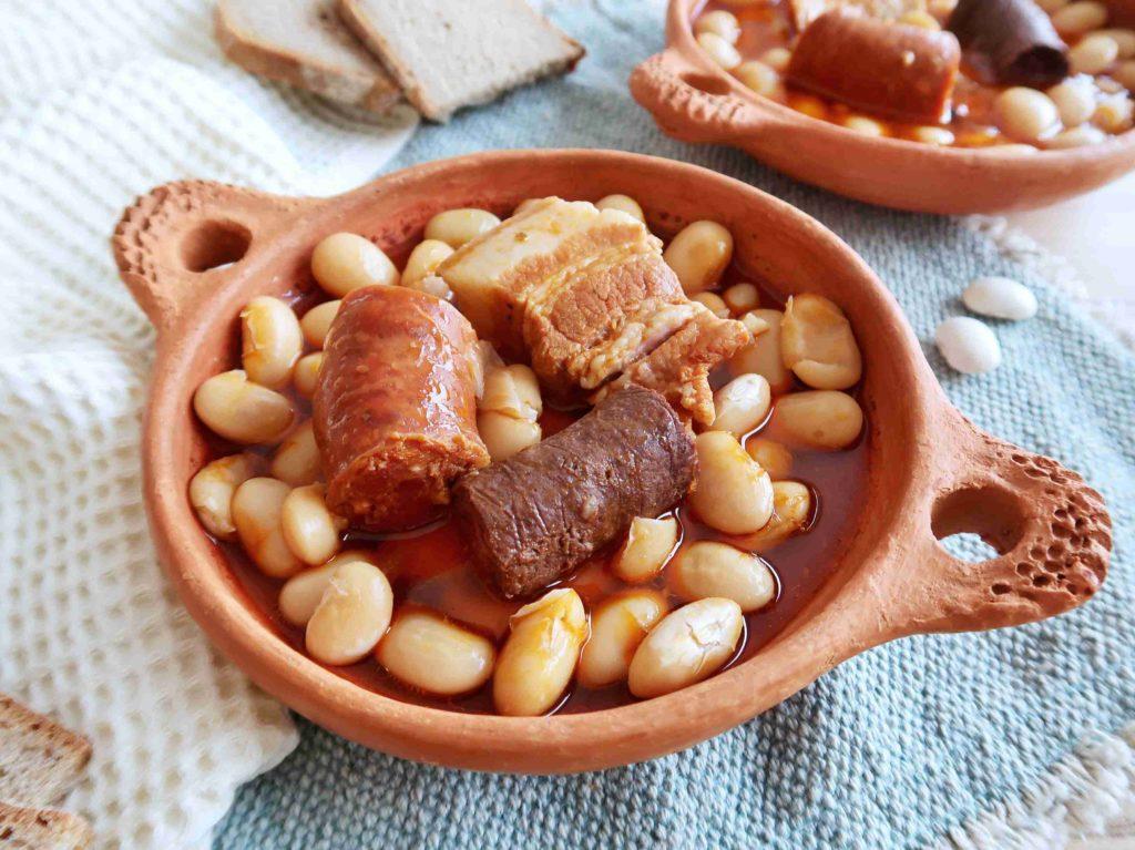 Fabada asturiana - dušené fazole s uzeniny z Asturie